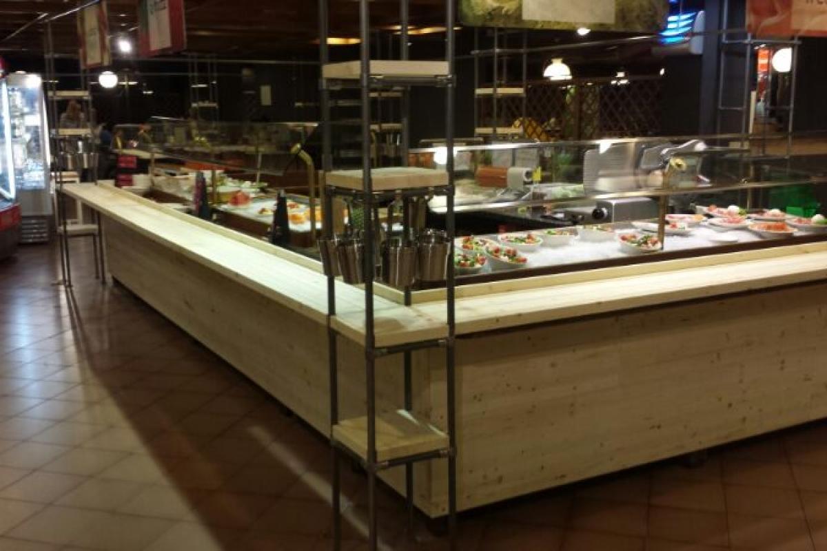 Progettazione arredamenti per ristoranti e catene di for Arredamenti per pub usati